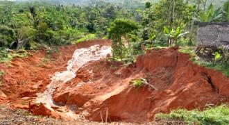 Bukit akan Dipangkas untuk Keperluan Tol Soroja