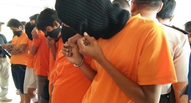 Gadis Abg Diperkosa  Pemuda Di Pasar Atas Cimahi
