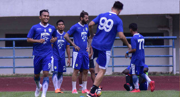 Jamu BFC, Persib Fokus Asah Finishing Touch