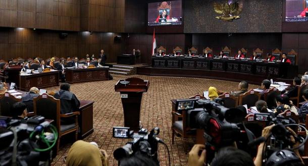 Prabowo-Sandi Ajukan 15 Petitum Permohonan