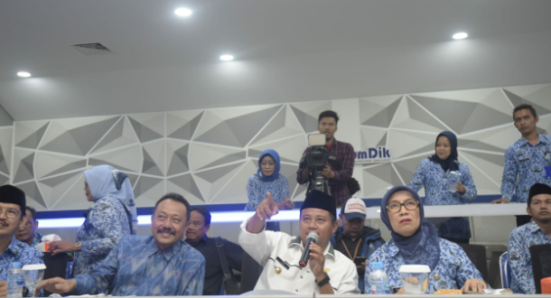 Wagub Jabar Monitoring PPDB via Command Center
